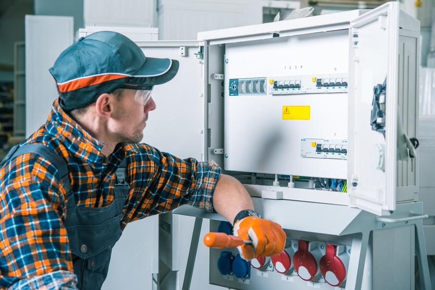 norma cei 11 27 sui lavori elettrici: definizioni